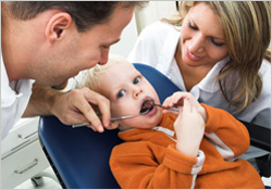parents-in-dental-operatory